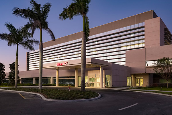 Emergency Room Entrance | Cleveland Clinic Florida