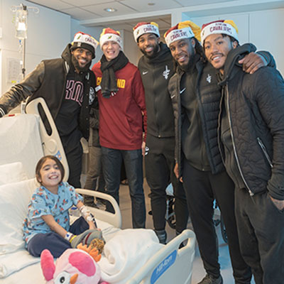 Cleveland Cavs Spread Holiday Cheer | Cleveland Clinic