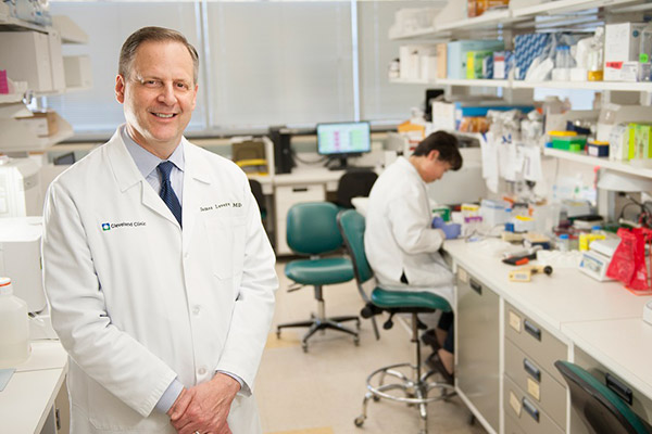 James Leverenz, MD, in his lab at Cleveland Clinic