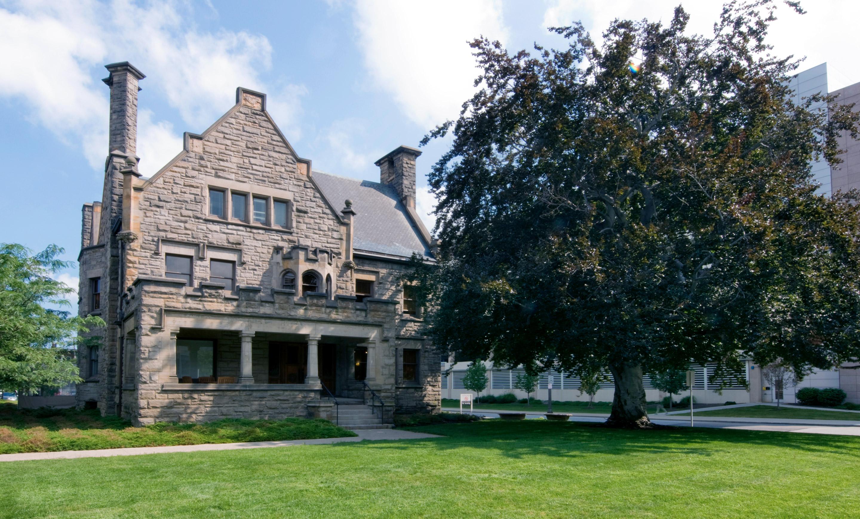 DV Building - White Mansion