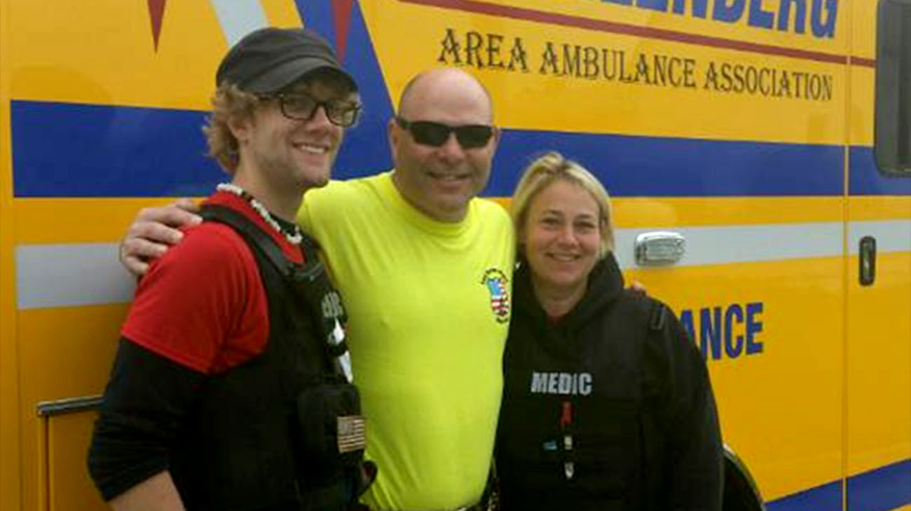 Jim with the paramedics who saved his life, Jake Motacki and Kelly Hackman. (Courtesy: Jim Mariano)