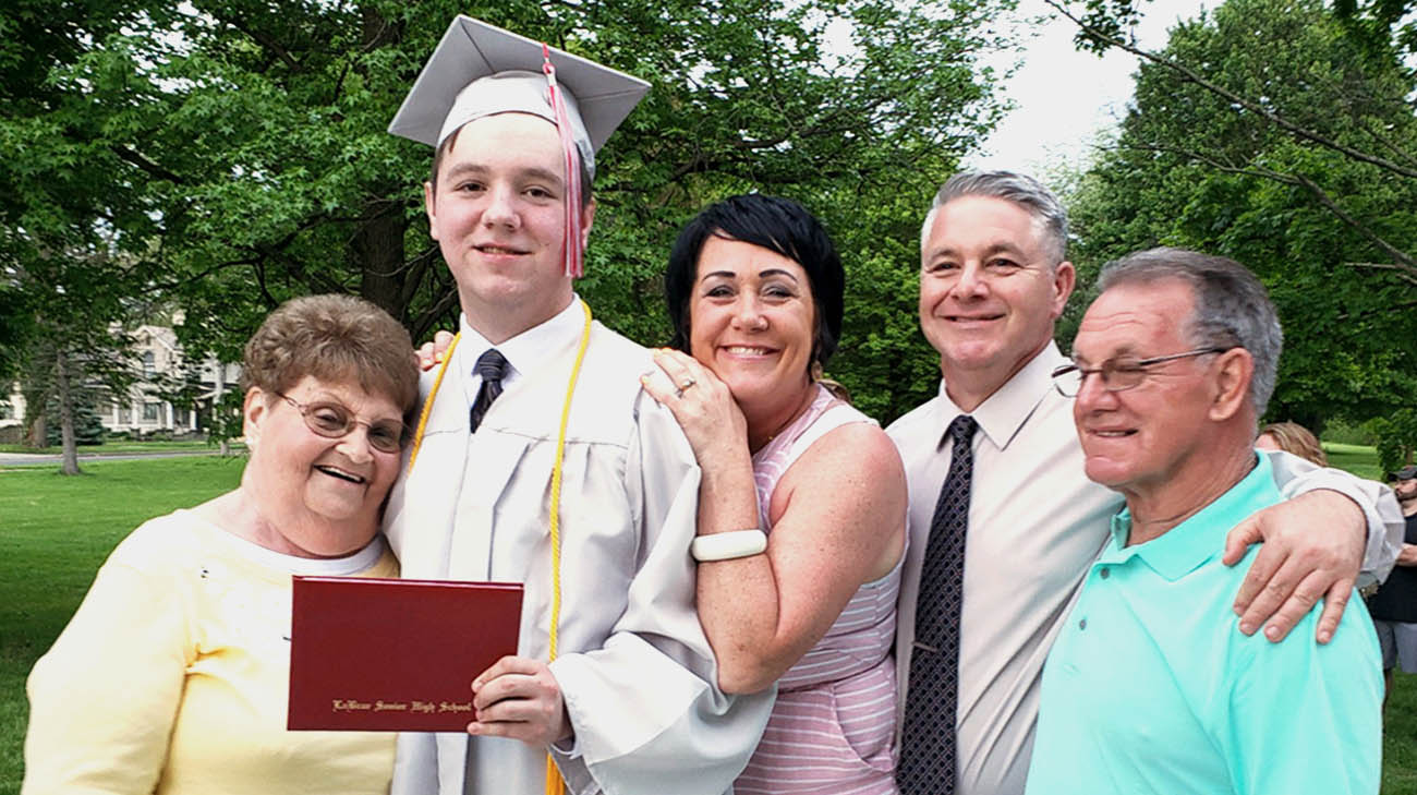 Teen with thyroid cancer gives inspiring graduation speech.