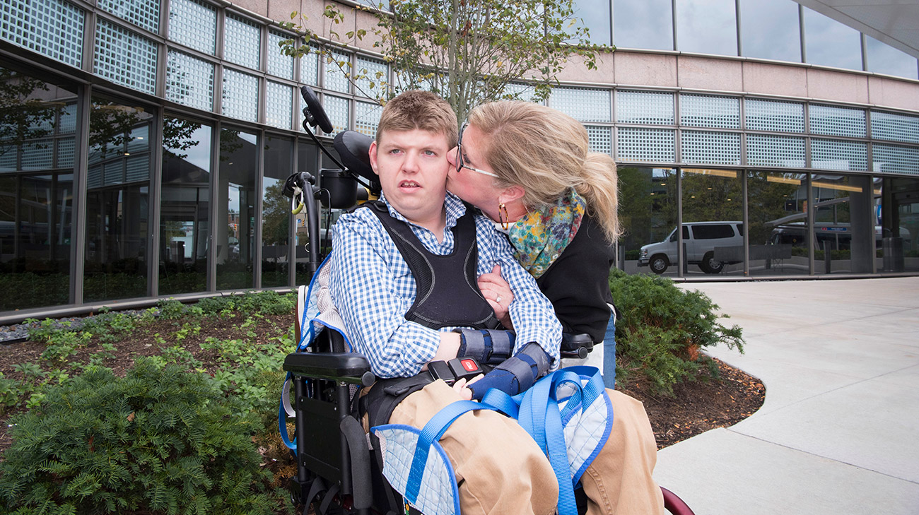 Thomas and Sue Rice share a special moment after his appointment. (Courtesy: Cleveland Clinic)