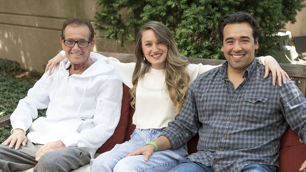 Abraham Aviv with his daughter Shiri and her boyfriend, Nikko. (Courtesy: Cleveland Clinic)