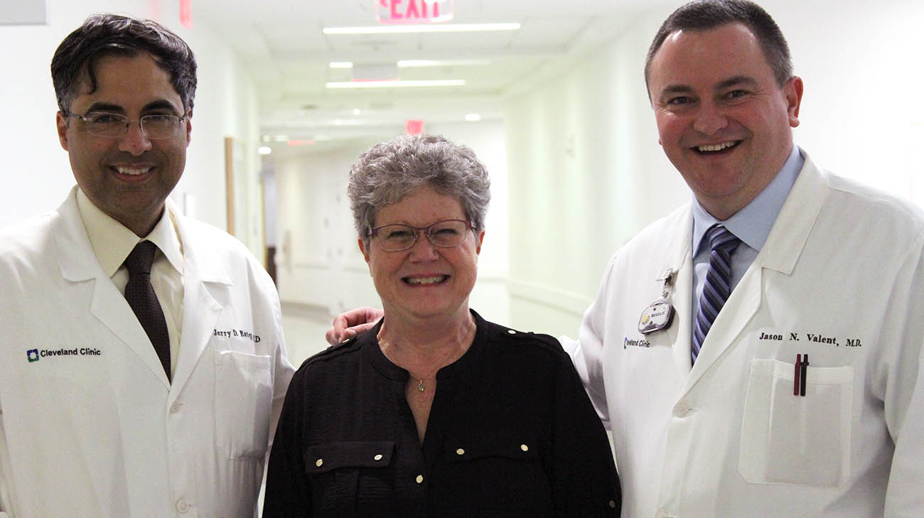 Cindy with Cleveland Clinic Drs. Jerry Estep and Jason Valent.
