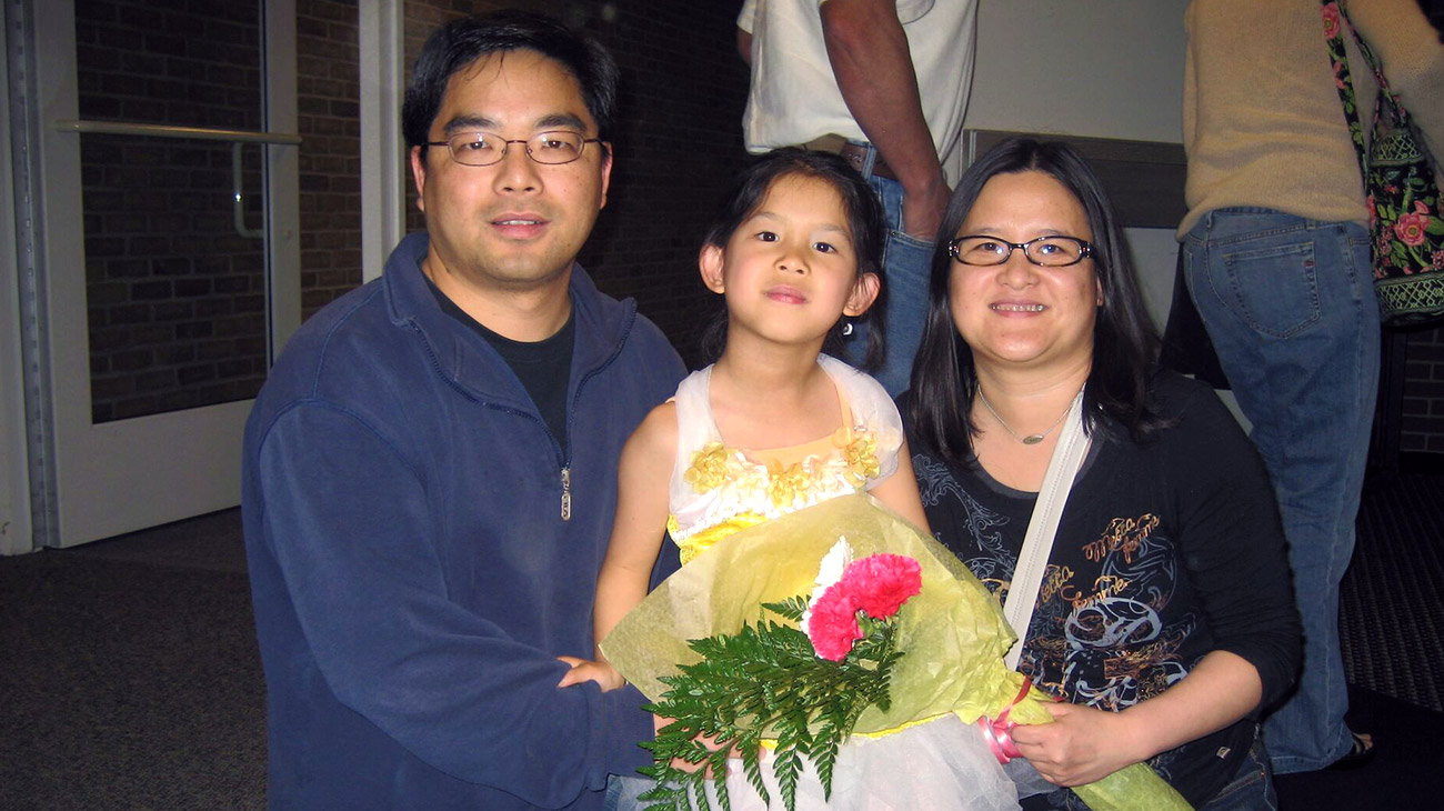 Daisey with her mom and dad.
